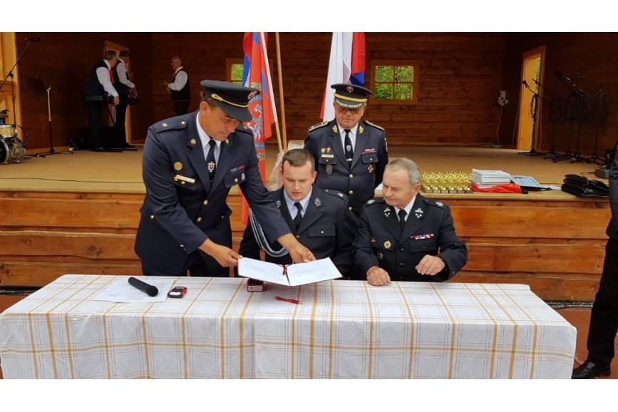 Podpisanie umowy. Fot: UM w Strumieniu